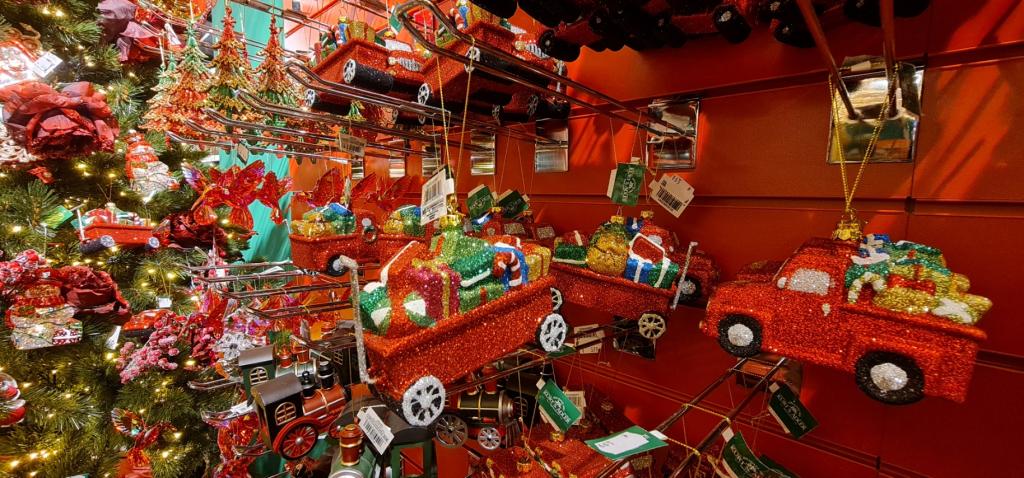 masini de craciun - camionete de jucarie